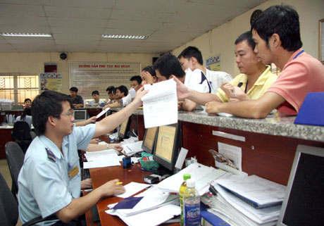 Foreign businesses struggle with complicated admin procedures