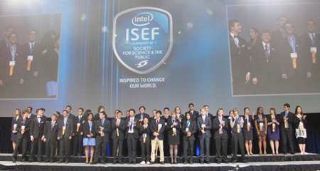 Vietnamese students win fourth prizes at Intel ISEF 2013