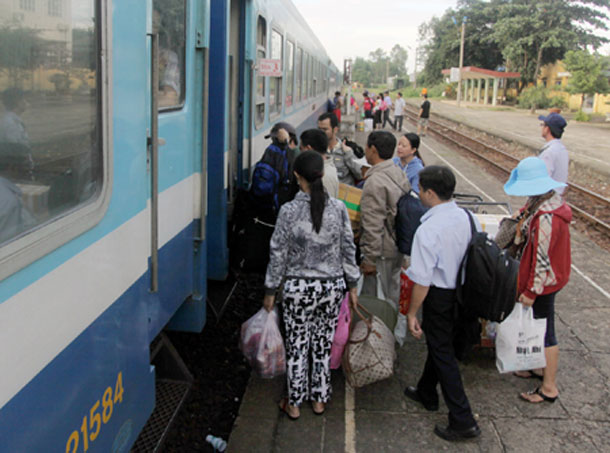 VN launches level crossing checks