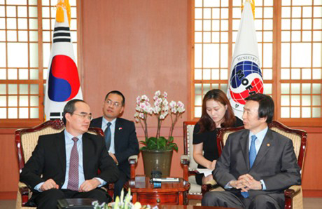 Viet Nam S Korea leaders consider science co-operation