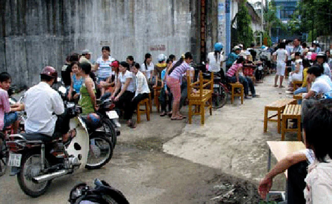 Thousands of Ha Noi firms forced to close their doors