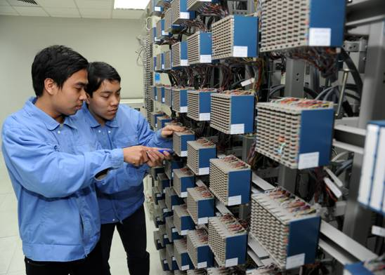 Carriers vow smooth transmission for Tet