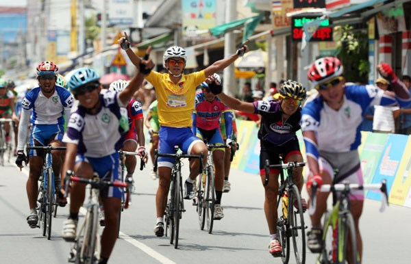 Duy wins in Nam Ky Khoi Nghia cycling tour