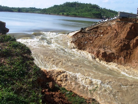 Households moved after dam breach