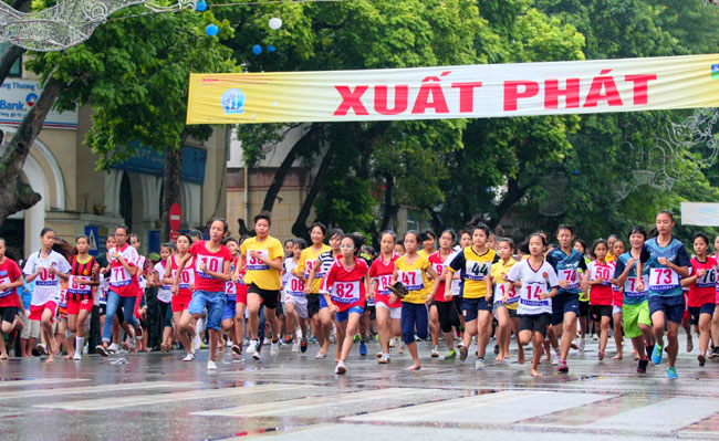 The Phuong win Ha Noi Moi Run