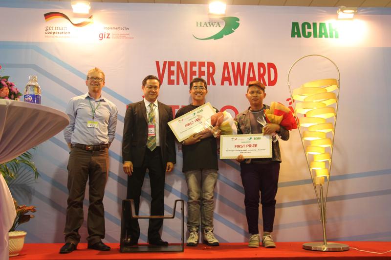 University students win 1st veneer furniture design award
