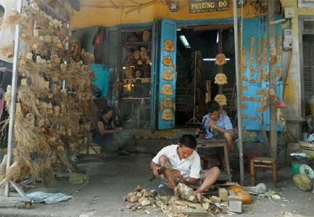 The Buddha inspires bamboo root sculptures