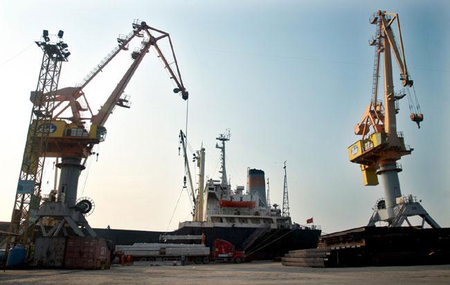 VN logistics firms urged to cut costs