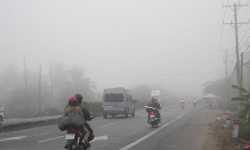 Fog rain disrupt normal life in Ha Giang