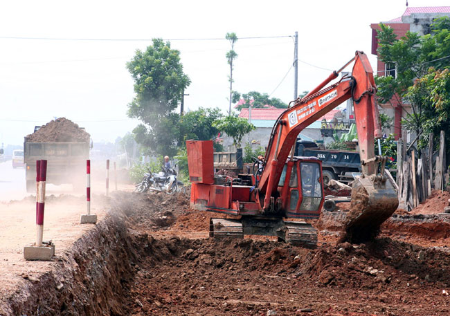 Land clearance delays highway projects