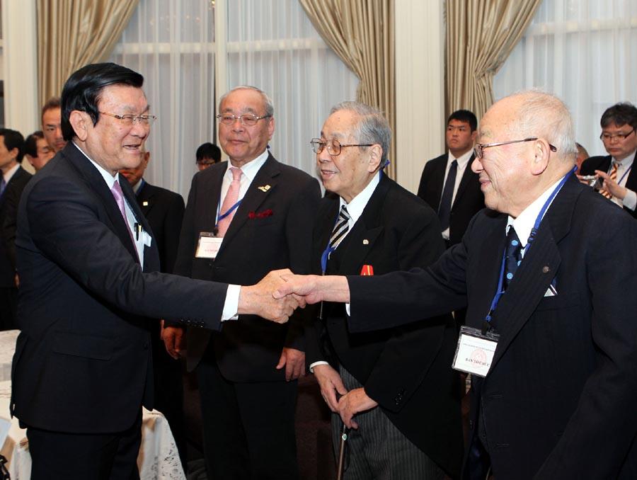 President Sang visits Osaka
