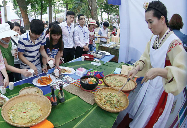 Asian cuisine on show in Hue