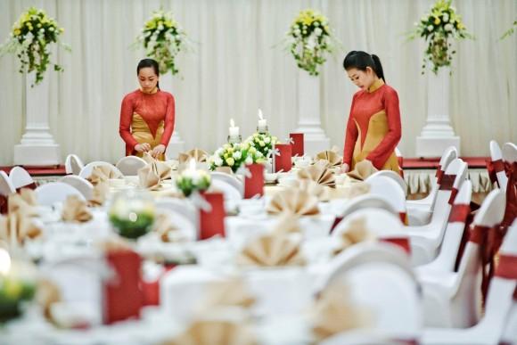 Hotels hold wedding fairs