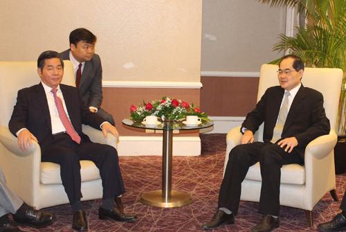 VN Singapore hold economic connectivity talks