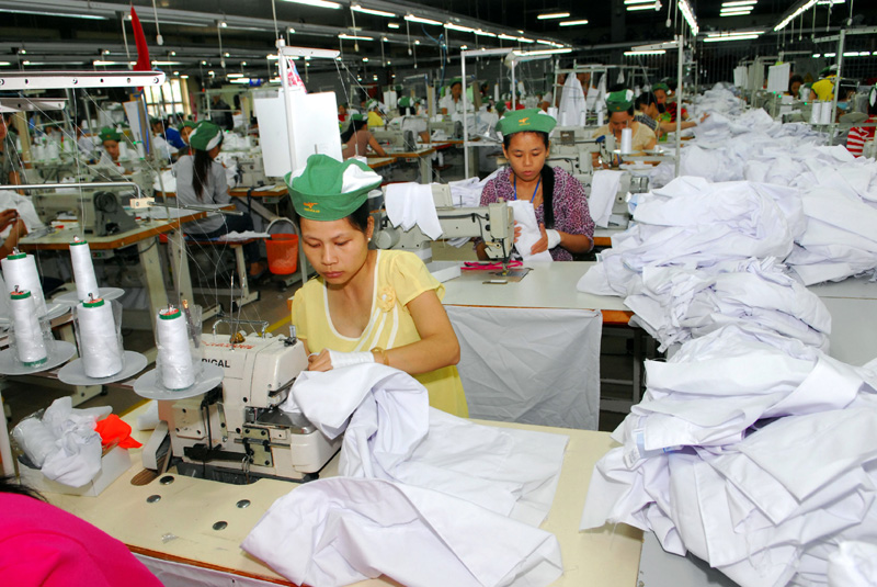 French textile firms offer assistance