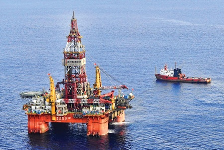 The Chinese Haiyang Shiyou-981 oil rig that has been illegally moved to Vietnamese waters. The brazen violation of Viet Nam's sovereignty threatens the livelihoods of local fishermen, who are demanding its removal
