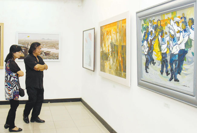 Artists assert VN sovereignty desire for peace