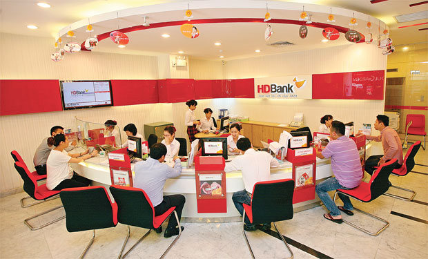 Banks on prowl for retail finance companies