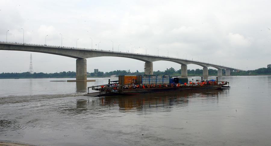 PM opens countrys longest bridge