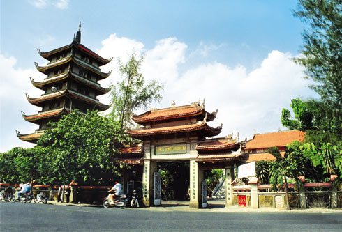 Bac Giang promotes tourism to historic sites