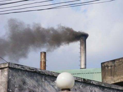 City plans to relocate polluting waste-treatment plants by 2020