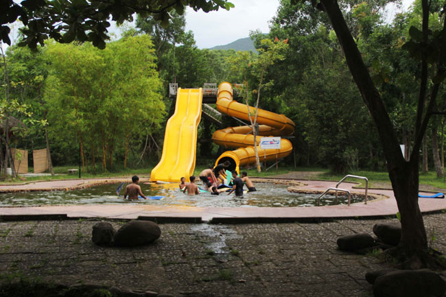 Challenge course offers new Hue to see historic royal city