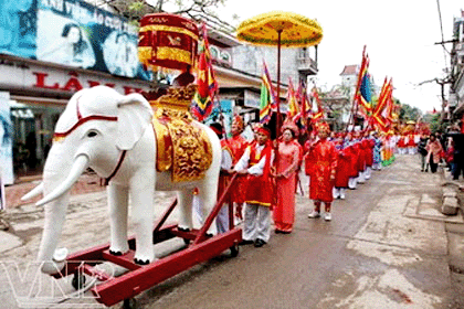 Temple holds celebrations for Trung sisters