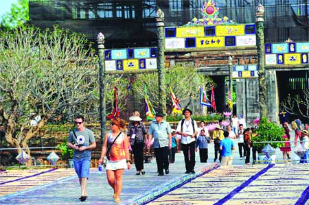 Hue renews efforts to boost tourism