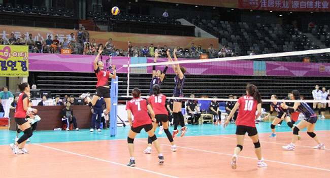 Viet Nam to play Japan in Asian womens volleyball quarters