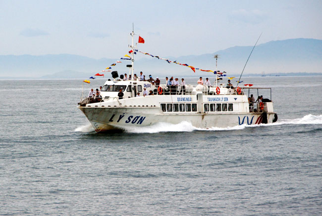 High-speed ferries open up Ly Son Island