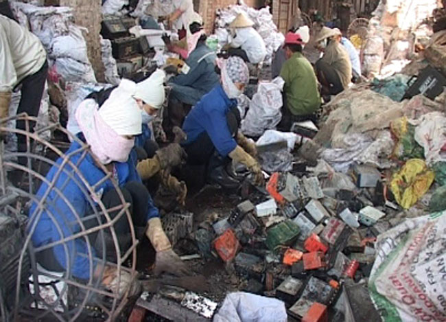 Electronic waste poses risk to Viet Nams environment