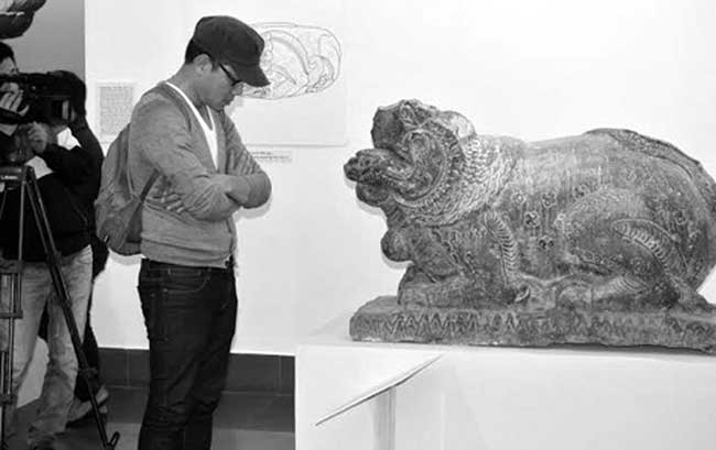 Ministry orders removal of foreign-style stone lions