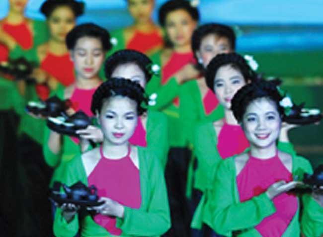 Thai Nguyen tea fest draws the crowds