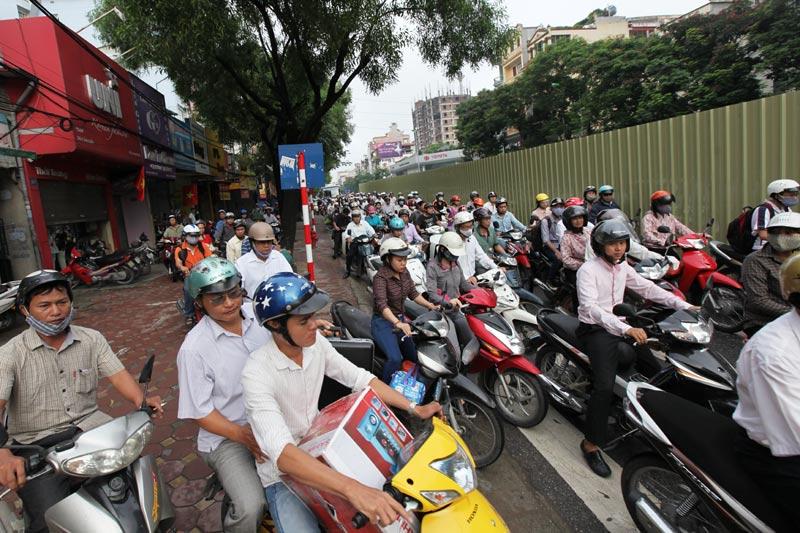 Urban train project creates traffic chaos in Ha Noi