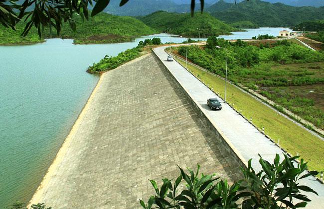 NZ shares its dam expertise