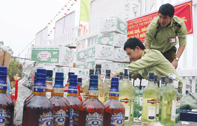 Agencies struggle to fight fake goods