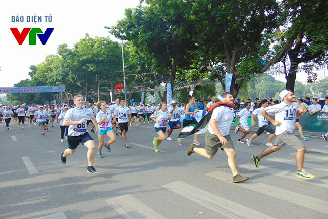 Knight wins Ha Noi Moi run around heart of the city