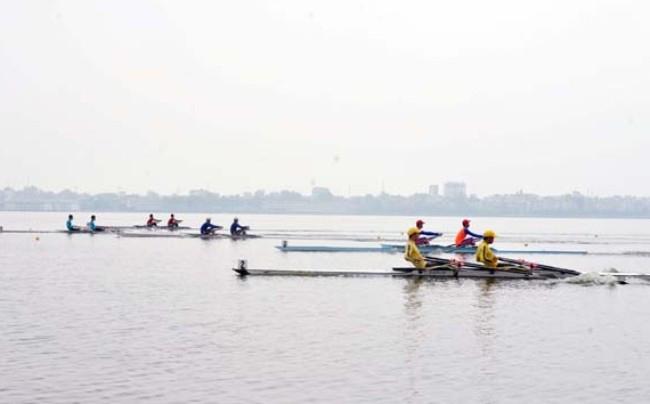 Ha Noi team win rowing championships in Hai Phong