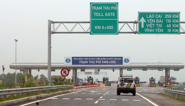 Commuters complain of highway toll hike