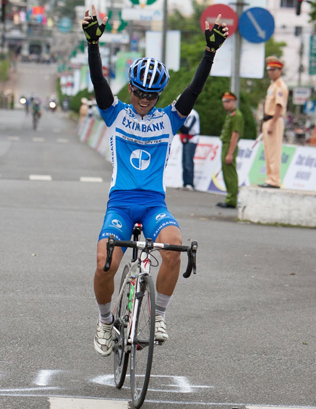 Viet claims sixth stage of cycling tour