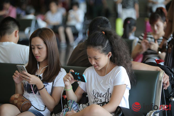 Half of VN phone users still use non-smartphones