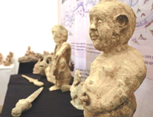 Ha Noi hosts sculpture exhibit