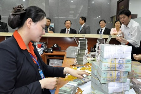Tet keeps banks busy
