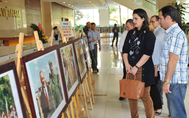 Photo exhibition marks 55 years of Viet Nam-Cuba ties