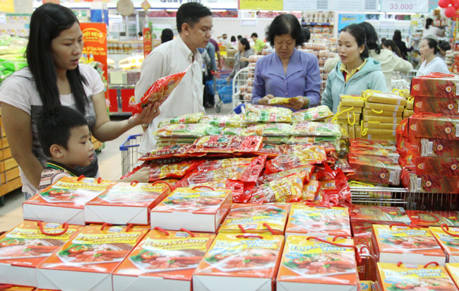 Stocking up for Tet costs firms 723m