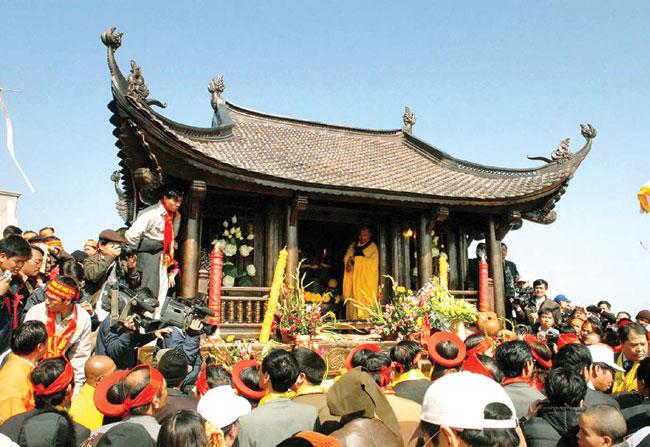 Yen Tu fest offers birds eye views