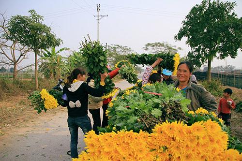 Friends of VN Heritage to visit villages