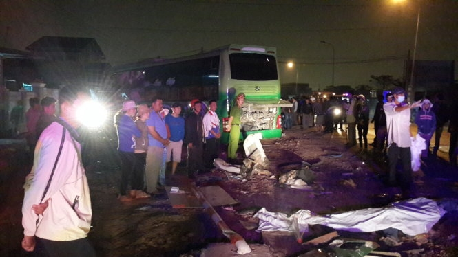 Binh Thuan coach collision kills 10