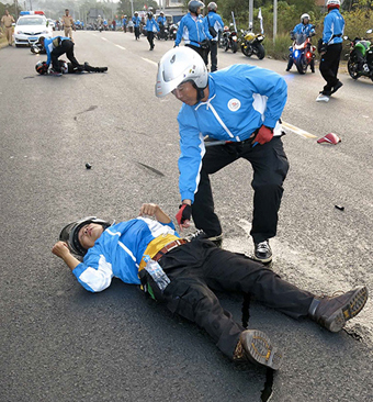 Cycling race escort dies in accident