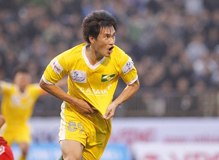 Le Cong Vinh is the highest-paid player in Viet Nam.